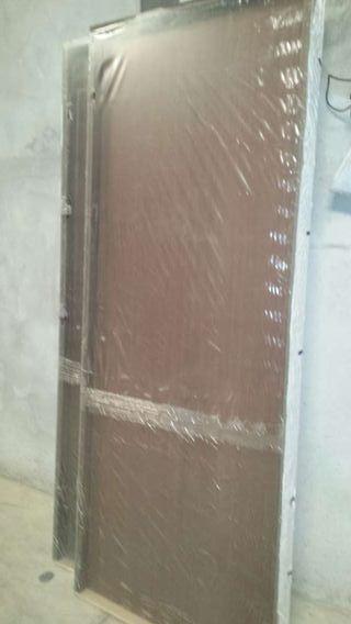 Puerta de paso de madera de segunda mano por 40 en for Puertas de paso segunda mano