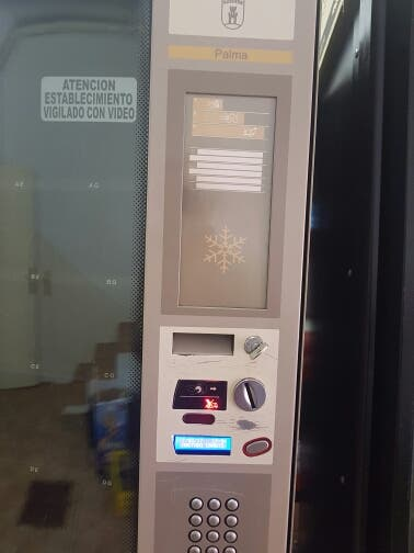 expendedora vending azkoyen palma