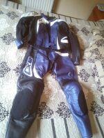 traje de moto para chica de cuero