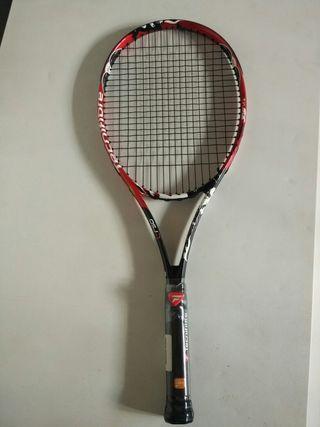 Raqueta de tenis profesional y nueva