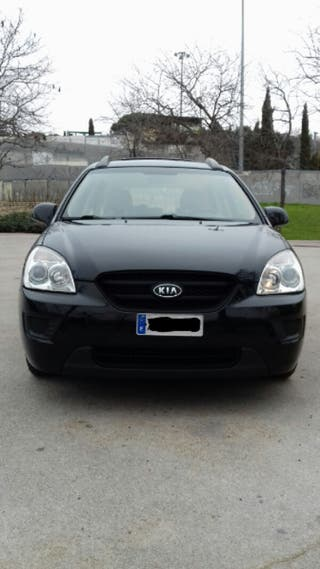 KIA Carens 2009 color negro diésel 191000 km.