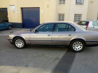 BMW Serie 735