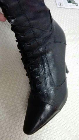 Botas piel negra, número 38 zara