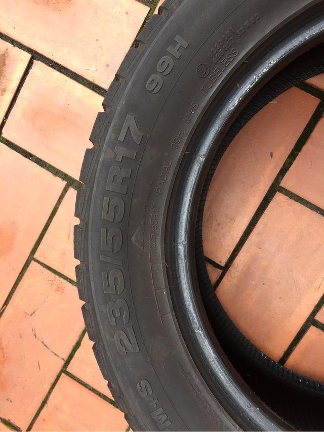 4 ruedas neumáticos continental 4x4 235 55 R17 H99