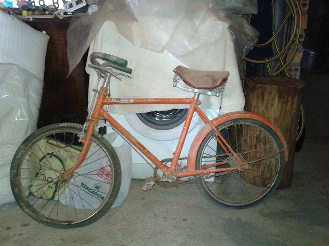 Bicicleta antigua ideal para restaurar