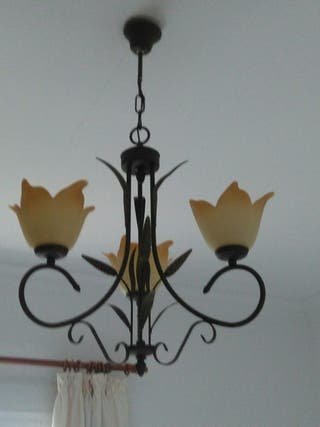 Lámpara techo y dos lamparas de mesilla