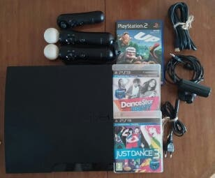 Playstation 3 + 2 mandos Move + 3 juegos
