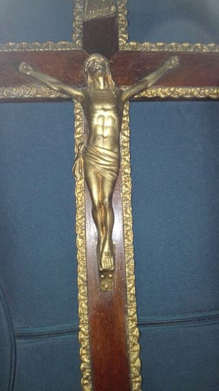 Crucifijo metal y madera