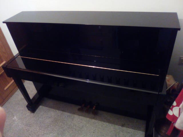 Piano pared