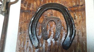 bonito cuadro 2 herraduras autenticas