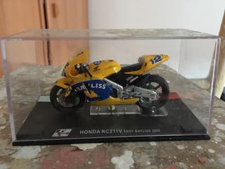 Moto miniatura Honda RC211V