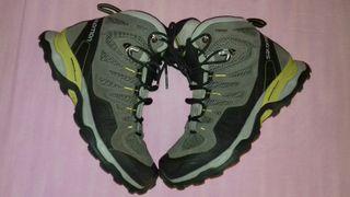 Botas de Montaña Salomon nuevas N°40 3/4 25,5cm