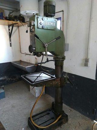 Taladro industrial