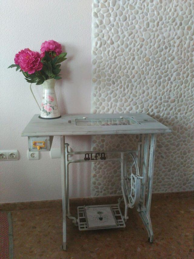 Mesa maquina de coser antigua de segunda mano por 100 € en