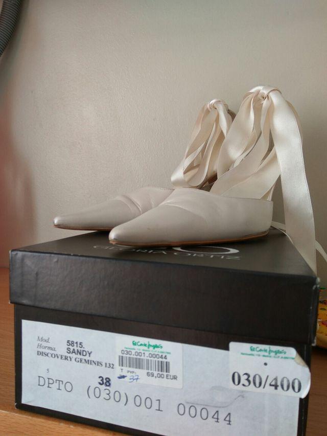 zapatos novia. numero 37. marca gloria ortiz