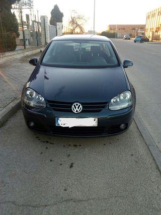 Volkswagen Golf v 2004