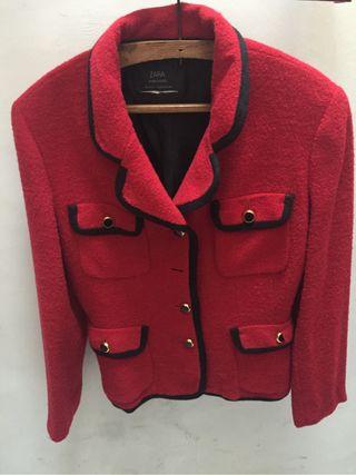 Chaqueta Zara roja