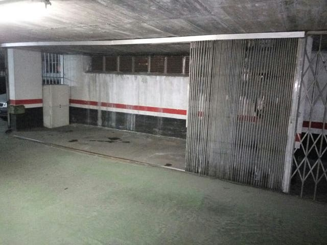 Garaje cerrado en Iturribide 119 - Santutxu