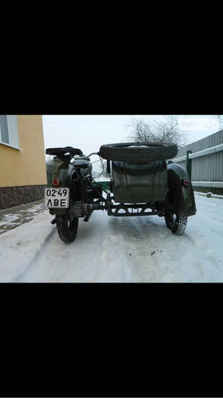 Moto antigua militar rusa