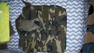 uniformes mimetizados boscoso