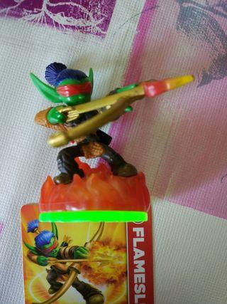 Figura Skylanders Wii con carta Flameslinger