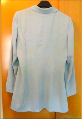 Preciosa levita chaqueta blusón gris, talla 44