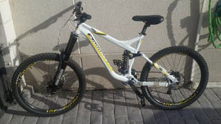 Bicicleta Mondraker Prayer Descenso Freeride
