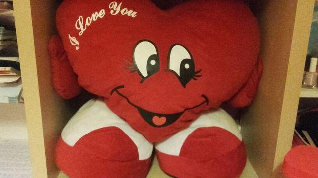 Peluche corazon gigante