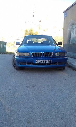 BMW 735i 285 cv 3500 cc siempre en garaje