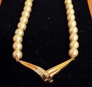 gargantilla perlas (no plastico )