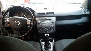 Mazda 2 1.4 CRTD Áctive 5 puertas color negro