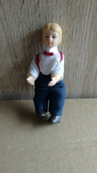muñeco para casa de muñecas
