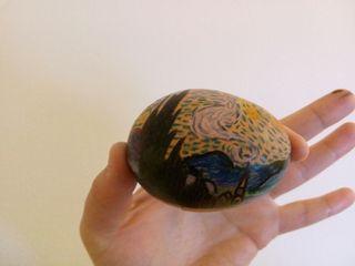 Huevos pintados a mano