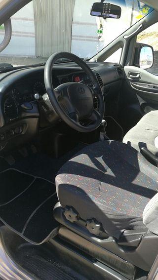 Hyundai H1 3.900€
