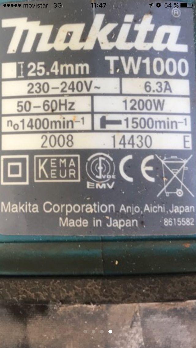Llave de impacto electrica makita TW1000