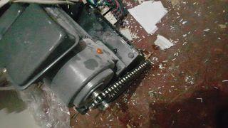 Motor- maquina destruir papeles
