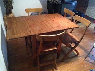 Mesa y sillas - URGE MUDANZA