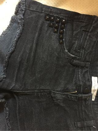 Shorts negro leftis