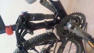 Bicicleta de montaña felt