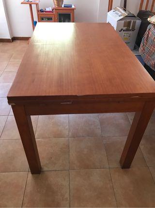 Mesa madera y dos sillas