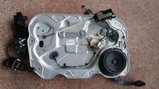 Panel altavoz motor elevalunas FORD Fiesta Focus