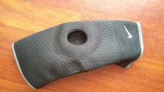 rodillera Nike