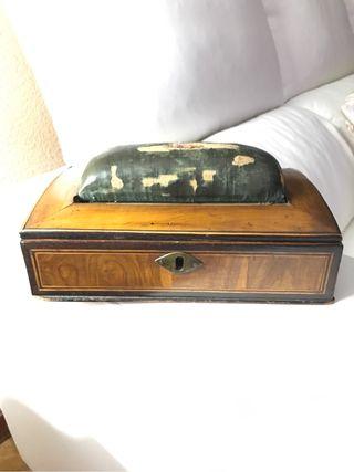 Caja vintage dos siglos