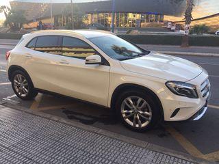 Mercedes-Benz GLA 200d Automatico 2015