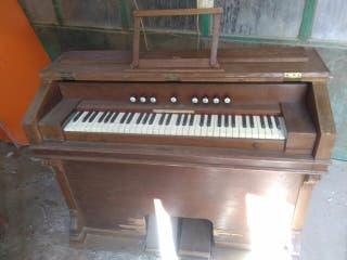 armonio organo antiguo