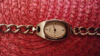 Reloj de pulsera Guess plateado