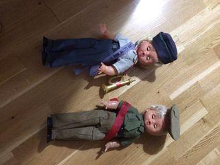 Muñecas militares