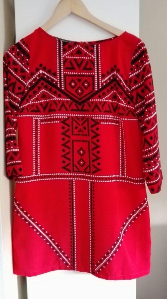 Vestido rojo étnico