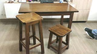 Mesas y sillas para bar de segunda mano por 300 € en San