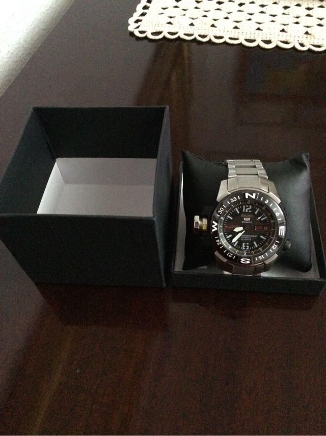 d84b59528e2a Reloj Seiko 5 Sport nuevo de segunda mano por 300 € en Madrid en ...